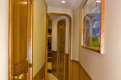0040-hallway